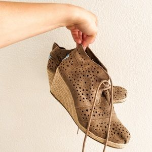 Toms Wedges Laser Cut Lace Up Booties